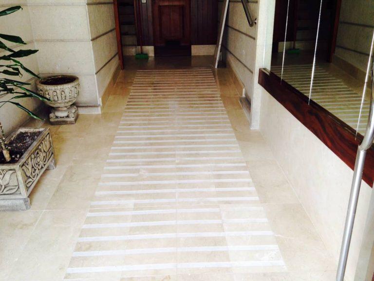Portal En Marmol Blanco cantabria